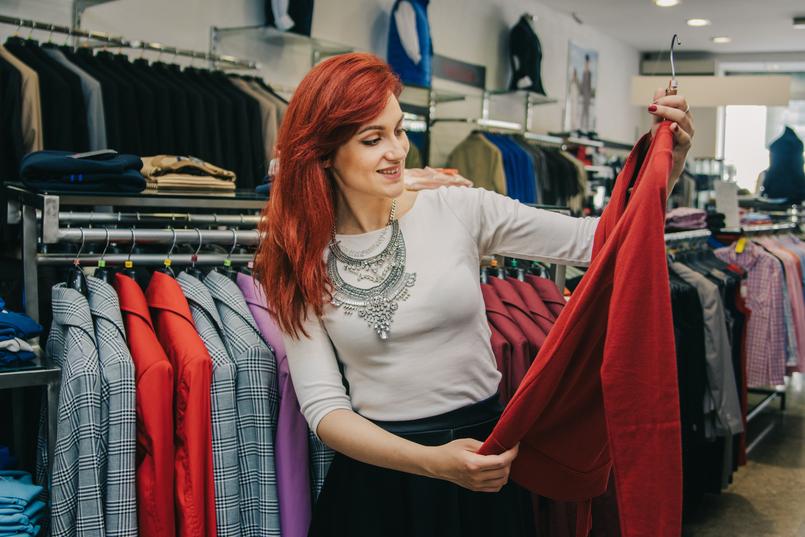 escolher roupas para vender